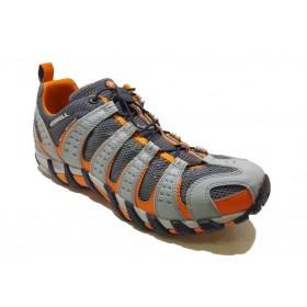 کفش مردانه پیاده روی مرل کد 5809950