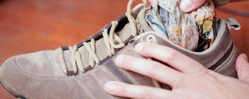 چگونه کفشی که تنگ است را کمی بزرگ کنیم