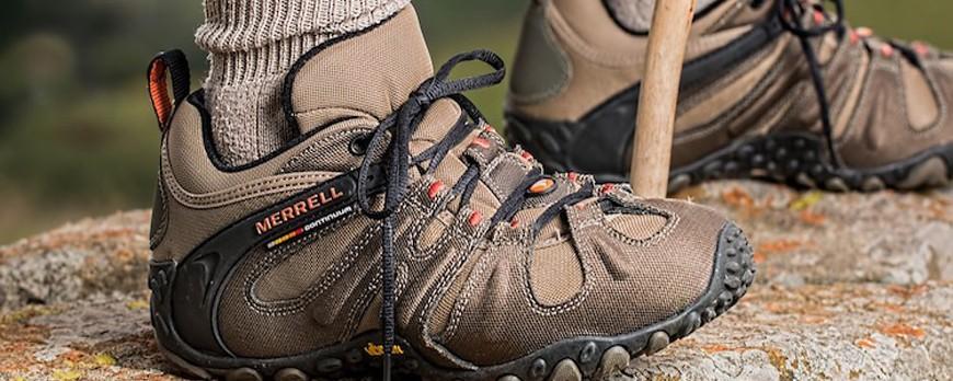 چه کفشی برای طبیعت گردی مناسبه